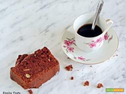 Plumcake al cacao con latte di soia e frutta secca