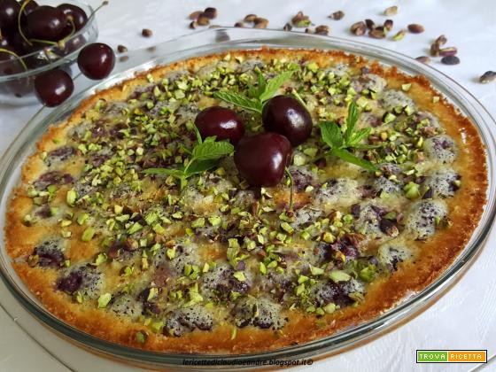 Clafoutis alle ciliegie e pistacchio