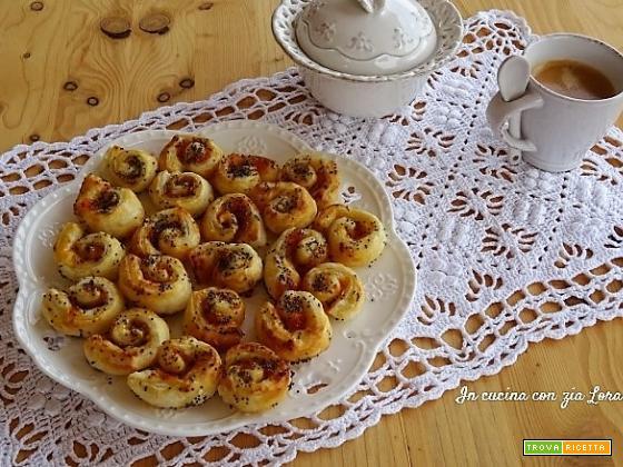 Mini girelle con marmellata di albicocche