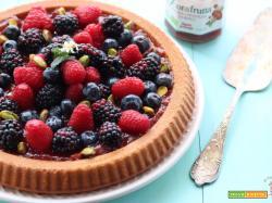 Crostata ai frutti di bosco con base morbida allo yogurt