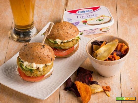 Burger con lenticchie , riso integrale e formaggio spalmabile