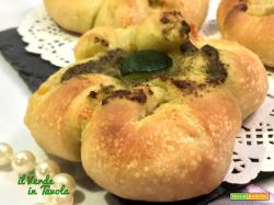 Fiori di pane al LM con emmental e pesto