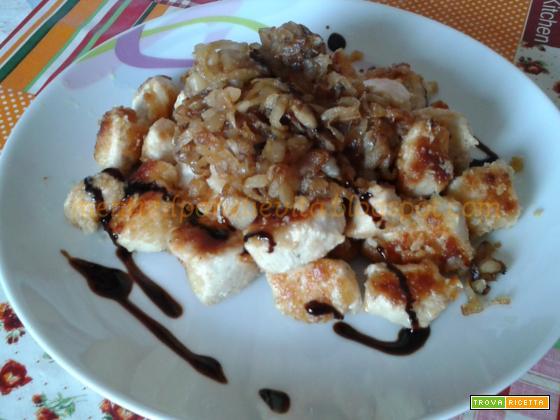 Bocconcini di pollo con cipolle caramellate
