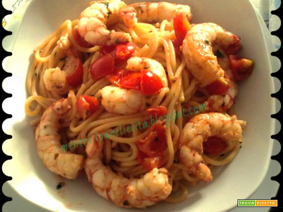 Spaghetti con pachino e gamberi