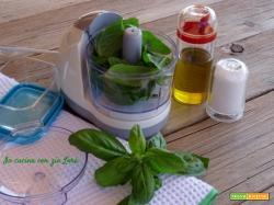 Come conservare il basilico per il pesto