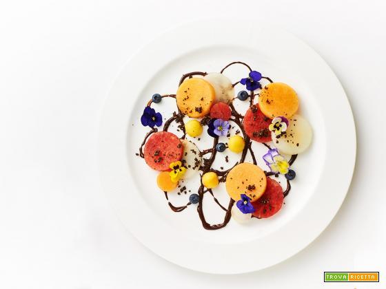 sera d'estate – salsa fudge al cioccolato con frutta estiva