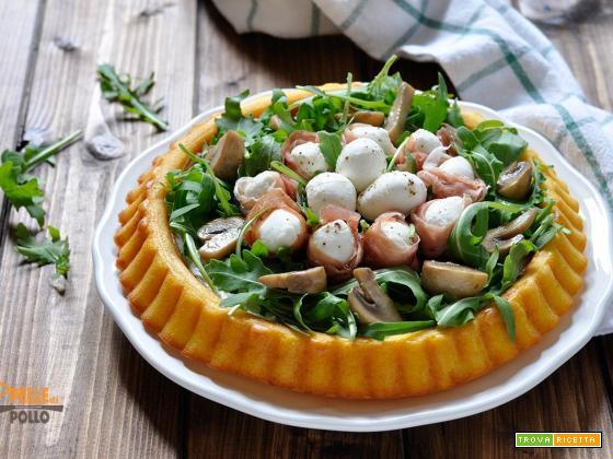 Crostata morbida salata con mozzarella, crudo e rucola