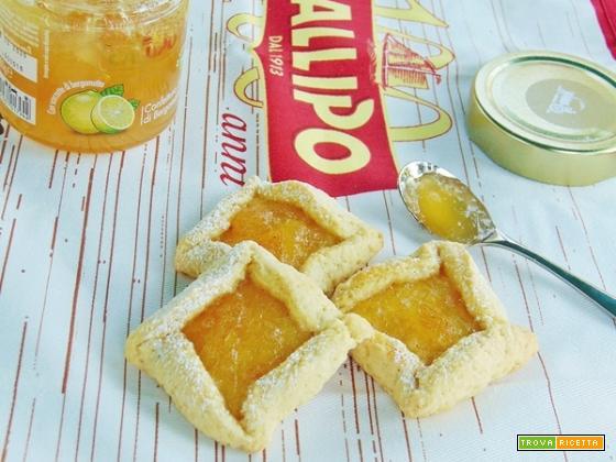 Biscotti con confettura al bergamotto