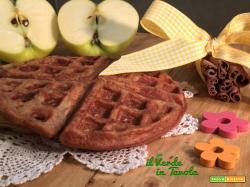 Waffle soffici con mela e cannella – La colazione perfetta
