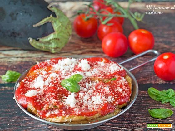Melanzane alla siciliana con salsa di pomodoro
