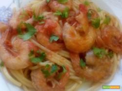 Spaghetti pomodorini e gamberetti
