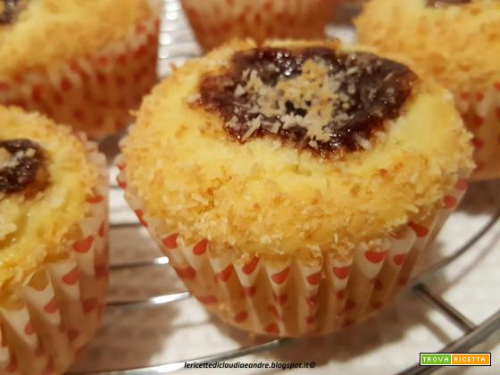 Muffin cocco e cuore di fragola