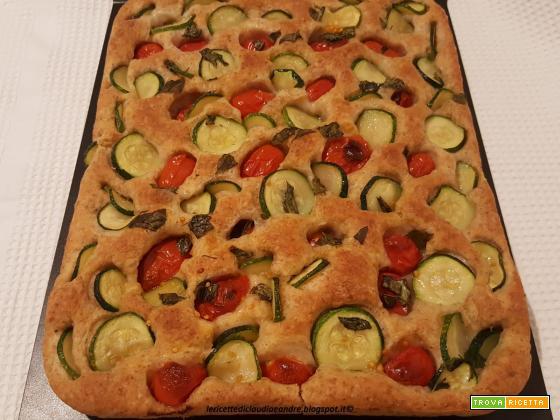Focaccia morbida alla crusca  con zucchine  e pomodorini