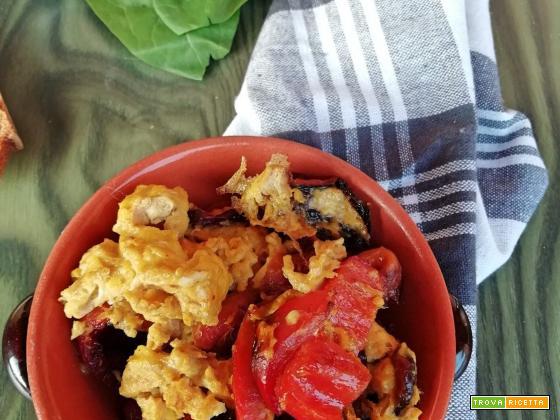 PIPINDUN E OVE ( peperoni e uova)