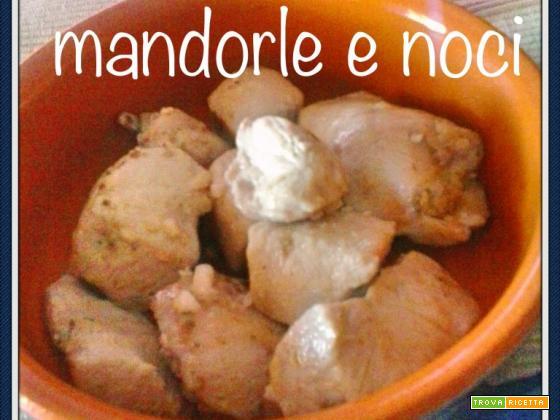 POLLO MANDORLE E NOCI