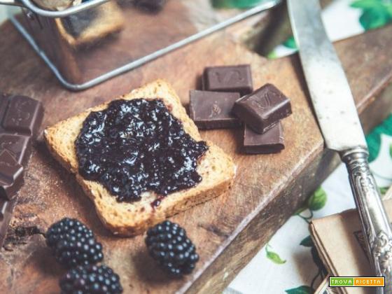 Confettura di more e cioccolato fondente , solo per le occasione speciali