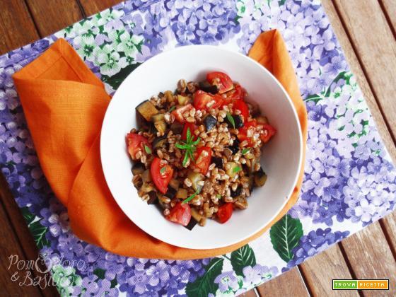 Insalata di farro, melanzane e pomodorini