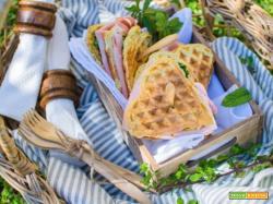Club Sandwich di cialde con mortadella e crema al prezzemolo, un pasto adatto a tutti