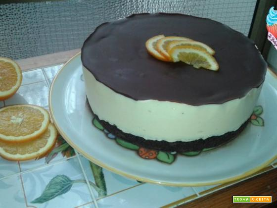 Torta all'arancia con base al cacao