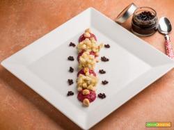 Dadolata di topinambur con pesto di barbabietole e nocciole
