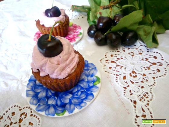 Cupcakes senza glutine con ciliegie