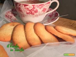 Lingue di gatto, biscottini friabili da tè