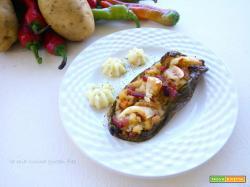 Peperoni ripieni di patate e salsiccia