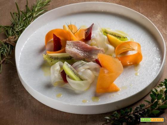 Tonno in vasocottura con insalata di frutta e verdura, un pasto sano sotto vetro!