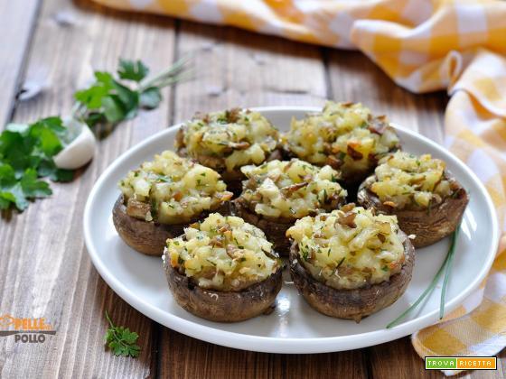 Funghi ripieni con patate ed erbe aromatiche