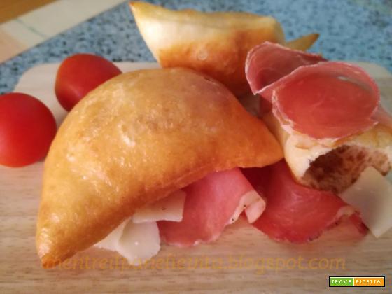 Torta fritta parmigiana