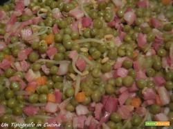Piselli, prosciutto e germogli di soia…