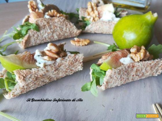 Barchette di pane con gorgonzola e fichi