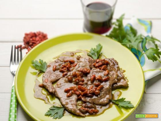 Scaloppine al succo d'uva e bacche di goji: un secondo piatto delizioso!