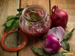 Cipolle in agrodolce in vasocottura, il contorno perfetto