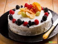 Torta panna e frutta mista: il buono della frutta e della panna insieme