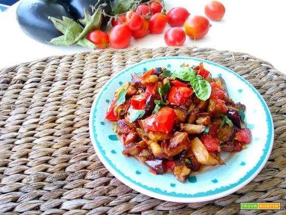 Melanzane a funghetto con pomodorini
