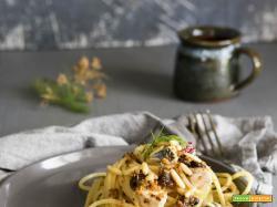 Spaghetti sgombro pinoli e finocchietto