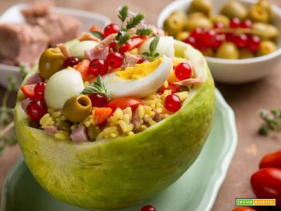 L' insalata di riso 2.0, con cetriolo barattiere e ribes rosso