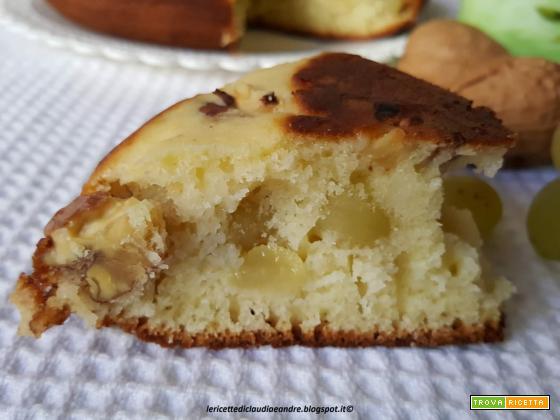 Torta con uva e noci cotta in padella