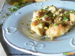 Petto di pollo alla birra con pistacchi e uvetta