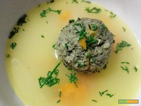 Leberknödel Suppe – Gnocchi di fegato in brodo
