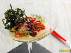 Polpo croccante, crema di patate, pomodorini: un'idea culinaria top