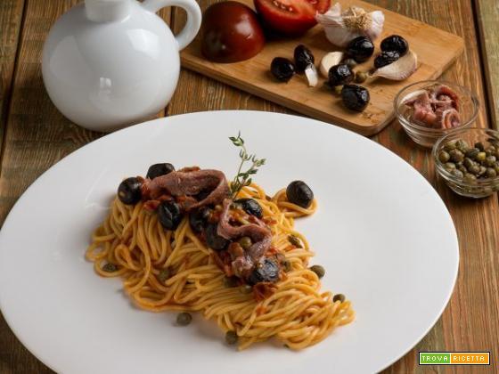 Spaghetti alla puttanesca rivisitati, la tradizione con una piccola variante