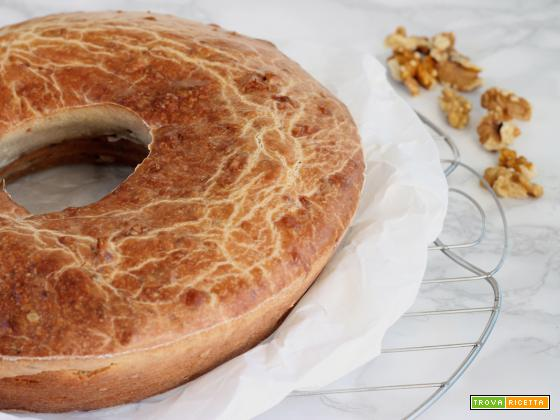 Ciambella gorgonzola e noci