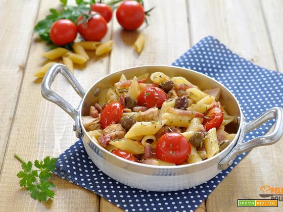 Pasta con tonno pancetta affumicata e pomodorini