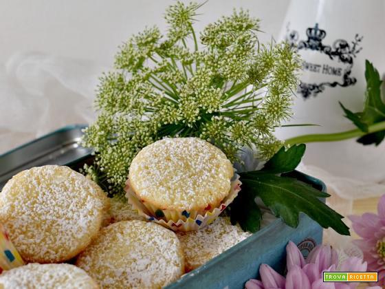 Mini cupcake alla vaniglia, soffici e leggeri