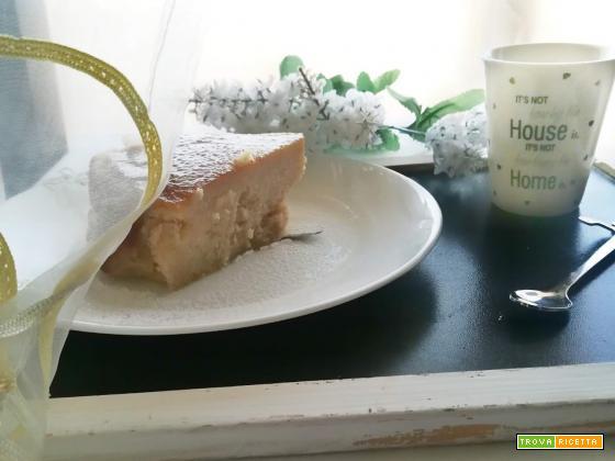 Torta di pane, mele e nocciole