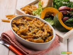 Penne al forno con zucca e cavolo: un primo super nutriente