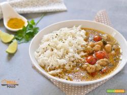 Curry di ceci con riso basmati e latte di cocco
