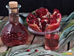 Liquore alla melagrana aromatizzato alla vaniglia